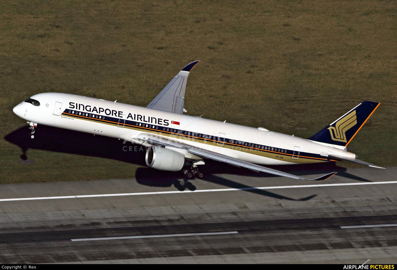 Singapore Airlines 9V-SMI aircraft at Düsseldorf