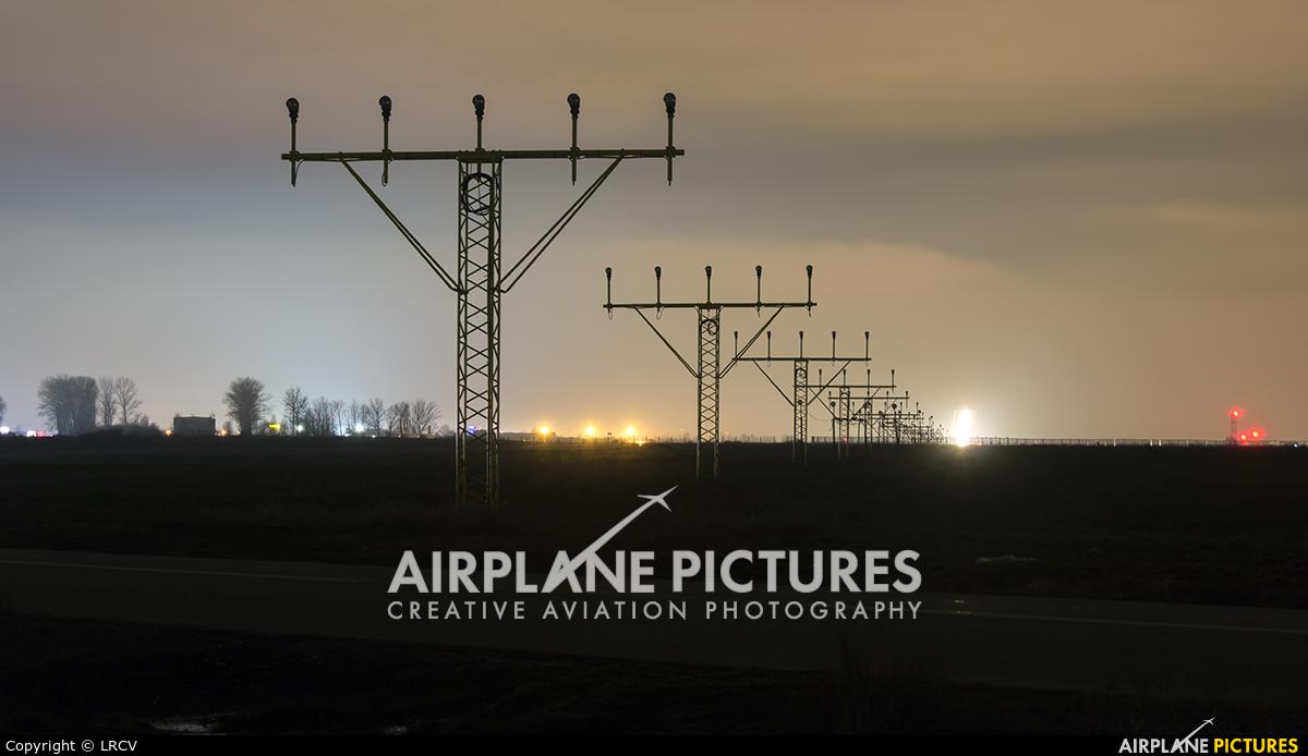 - Airport Overview - aircraft at Craiova