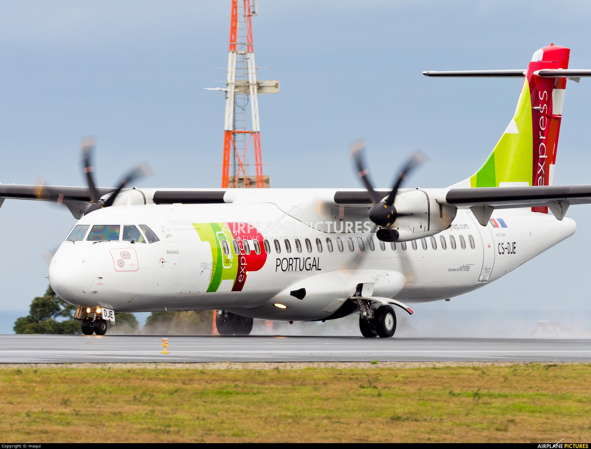 TAP Express CS-DJE aircraft at La Coruña