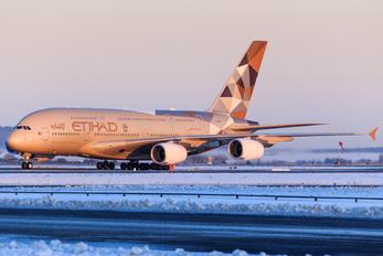 A6-APH - Etihad Airways Airbus A380