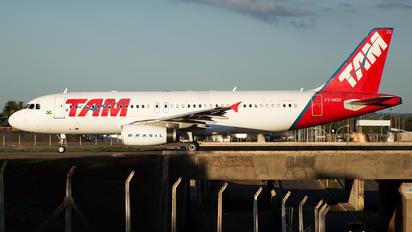PT-MZG - TAM Airbus A320