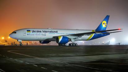 UR-GOA - Ukraine International Airlines Boeing 777-200ER