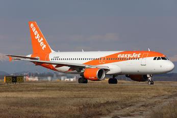 G-EZUF - easyJet Airbus A320