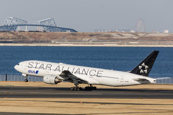 JA711A - ANA - All Nippon Airways Boeing 777-200