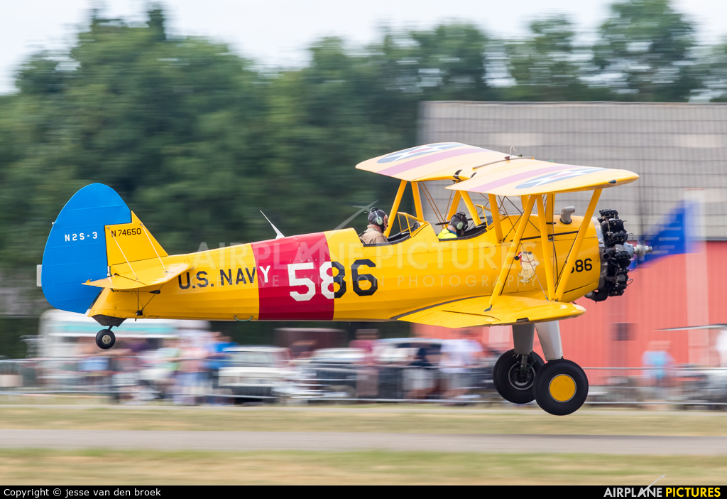 N76450 aircraft at Hoeven - Seppe