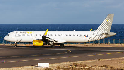 EC-MMH - Vueling Airlines Airbus A321
