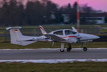 D-GIGA - Private Diamond DA 42 Twin Star