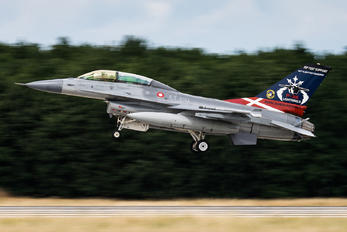 ET-210 - Denmark - Air Force Lockheed Martin F-16B Block 20 MLU