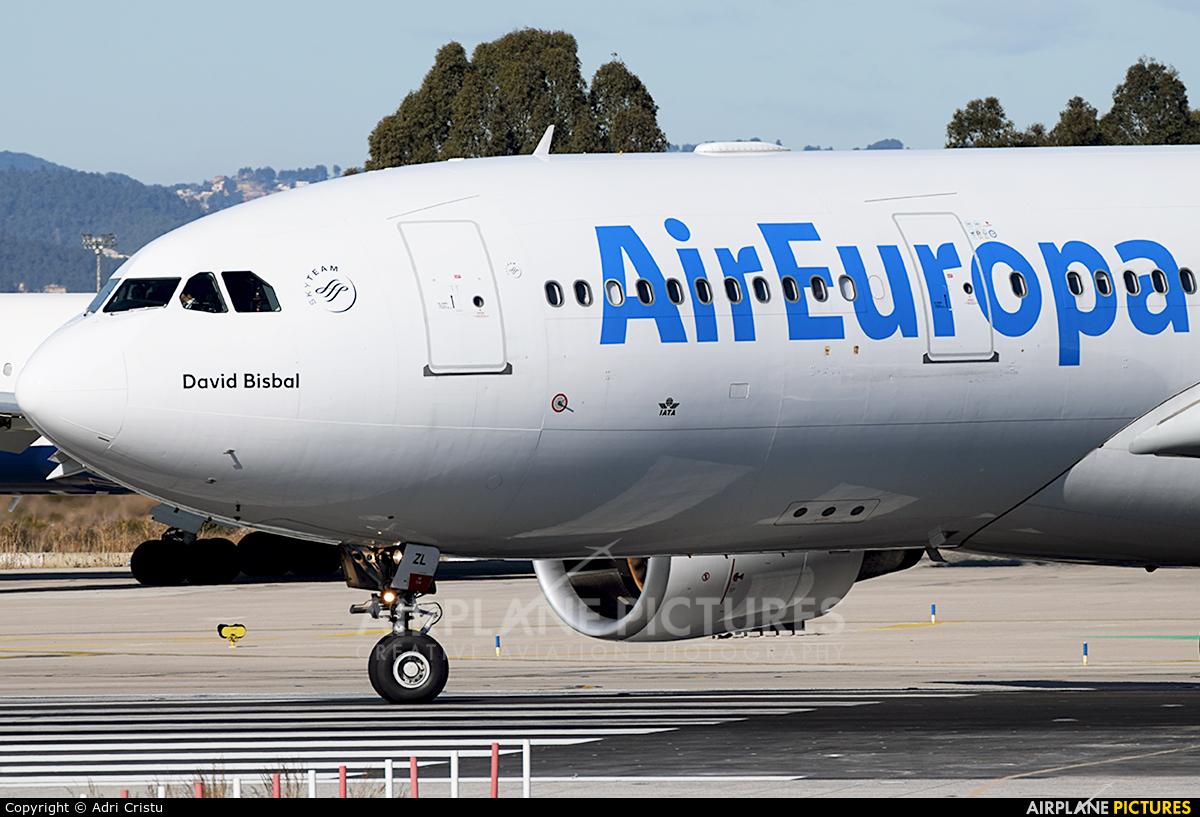 Air Europa EC-JZL aircraft at Barcelona - El Prat