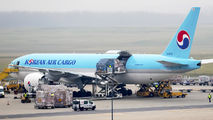 HL8076 - Korean Air Cargo Boeing 777F aircraft