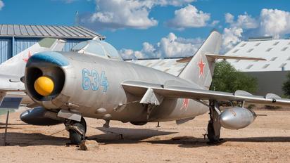 634 - Private PZL Lim-6P