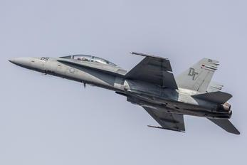 165528 - USA - Marine Corps McDonnell Douglas F/A-18D Hornet