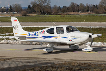 D-EASI - Munich Aviation Company Cirrus SR20