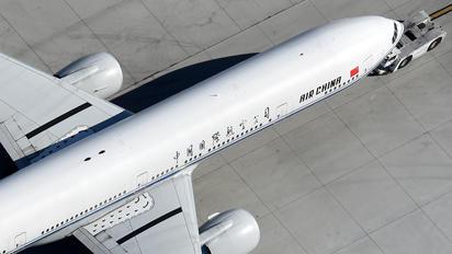 B-2037 - Air China Boeing 777-300ER