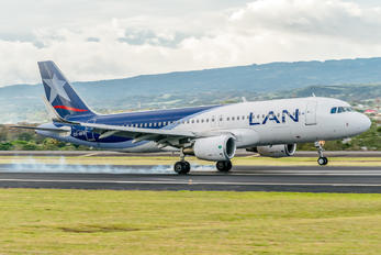 CC-BFR - LAN Airlines Airbus A320