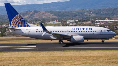 N27734 - United Airlines Boeing 737-700