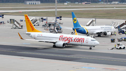 TC-CPY - Pegasus Boeing 737-800