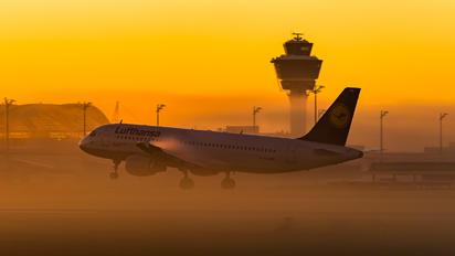 D-AIPB - Lufthansa Airbus A320