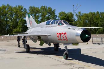 EPMM - Poland - Air Force Mikoyan-Gurevich MiG-21UM