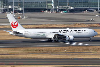 JA8976 - JAL - Japan Airlines Boeing 767-300