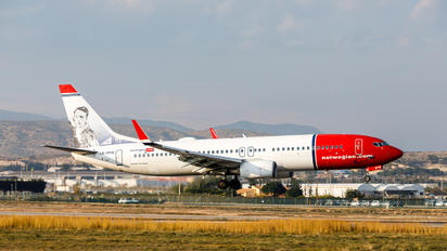 LN-DYQ - Norwegian Air Shuttle Boeing 737-800
