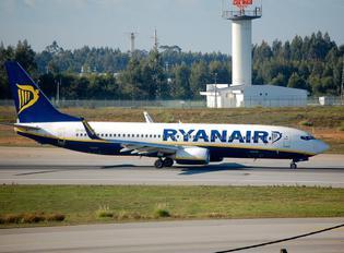 EI-EST - Ryanair Boeing 737-800