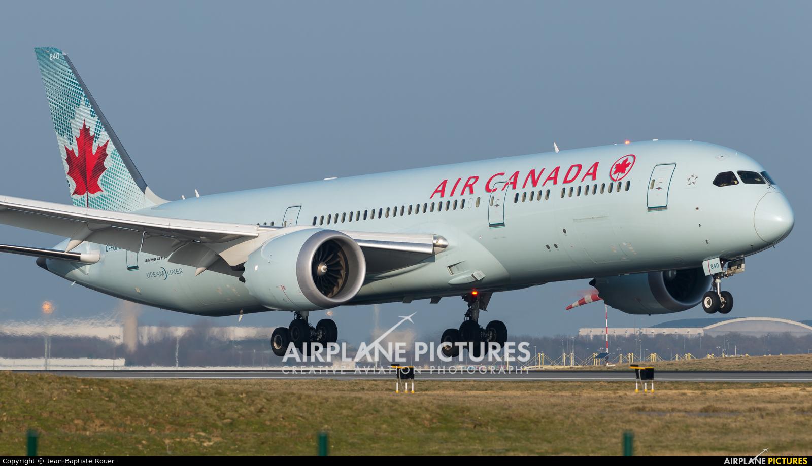 Air Canada C-FGFZ aircraft at Paris - Charles de Gaulle