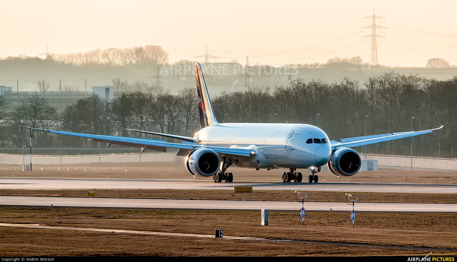 LATAM CC-BGB aircraft at Frankfurt