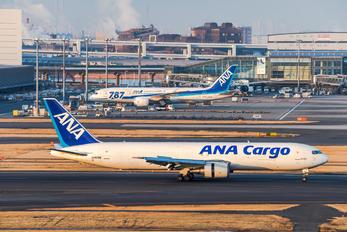 JA8286 - ANA Cargo Boeing 767-300F