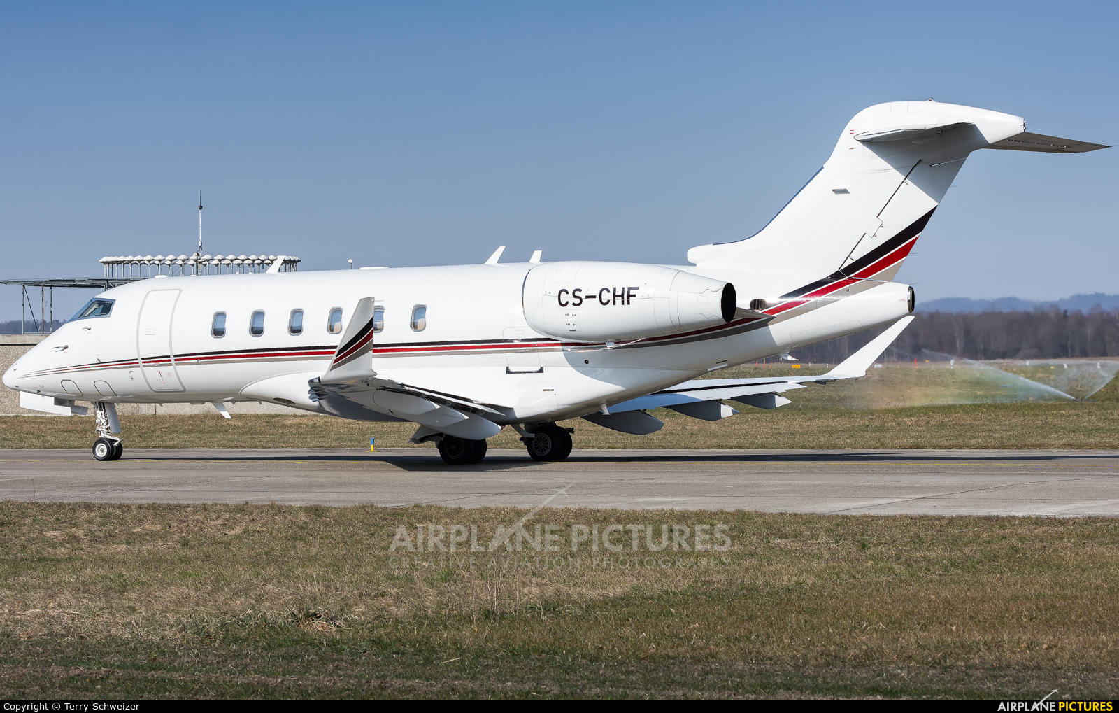 Private CS-CHF aircraft at Zurich