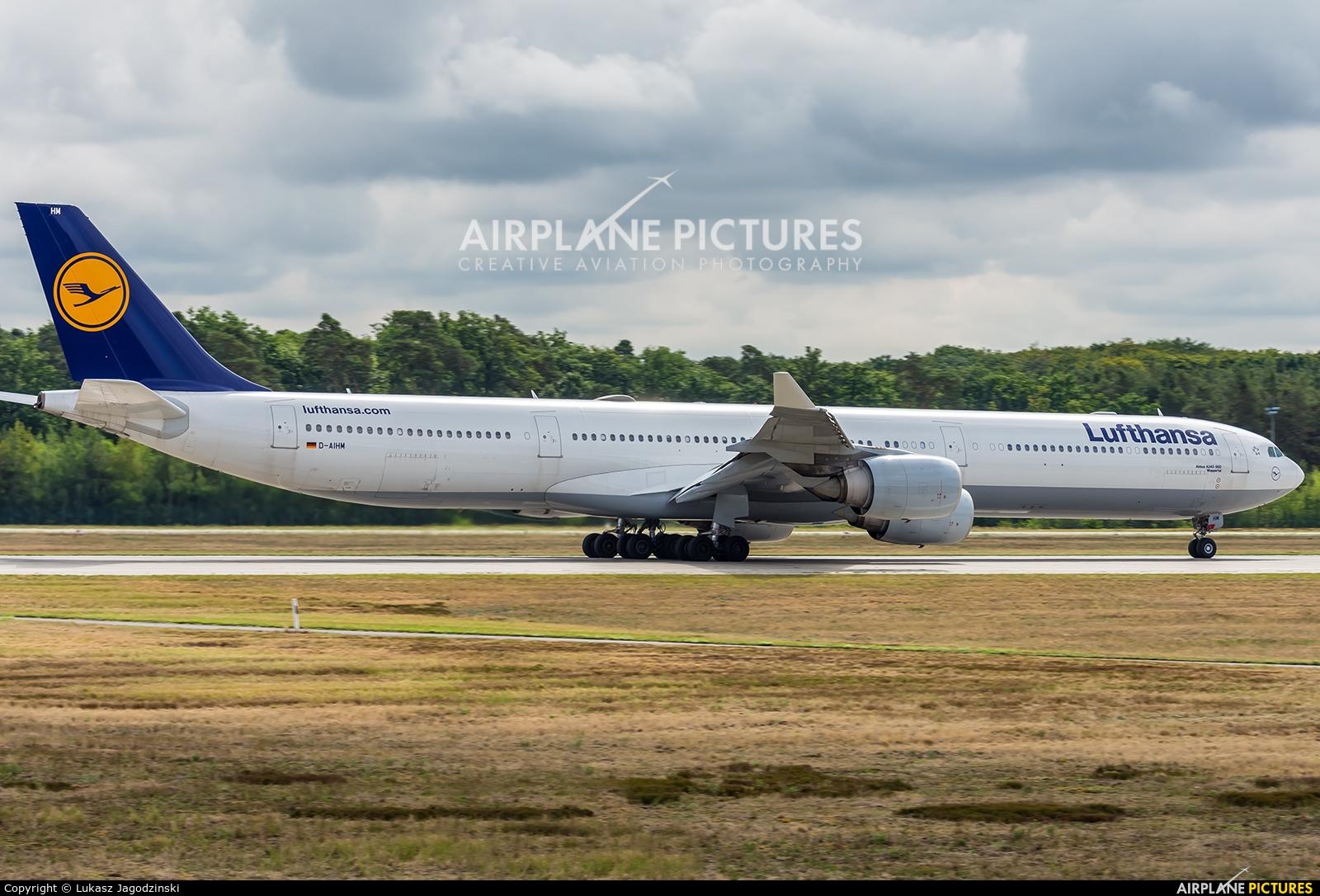 Lufthansa D-AIHM aircraft at Frankfurt
