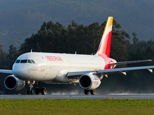 EC-MDK - Iberia Airbus A320
