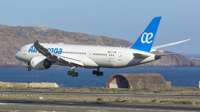 EC-MOM - Air Europa Boeing 787-8 Dreamliner