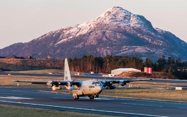 164998 - USA - Navy Lockheed C-130T Hercules