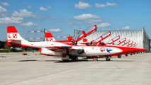 3H 1708 - Poland - Air Force: White & Red Iskras PZL TS-11 Iskra aircraft