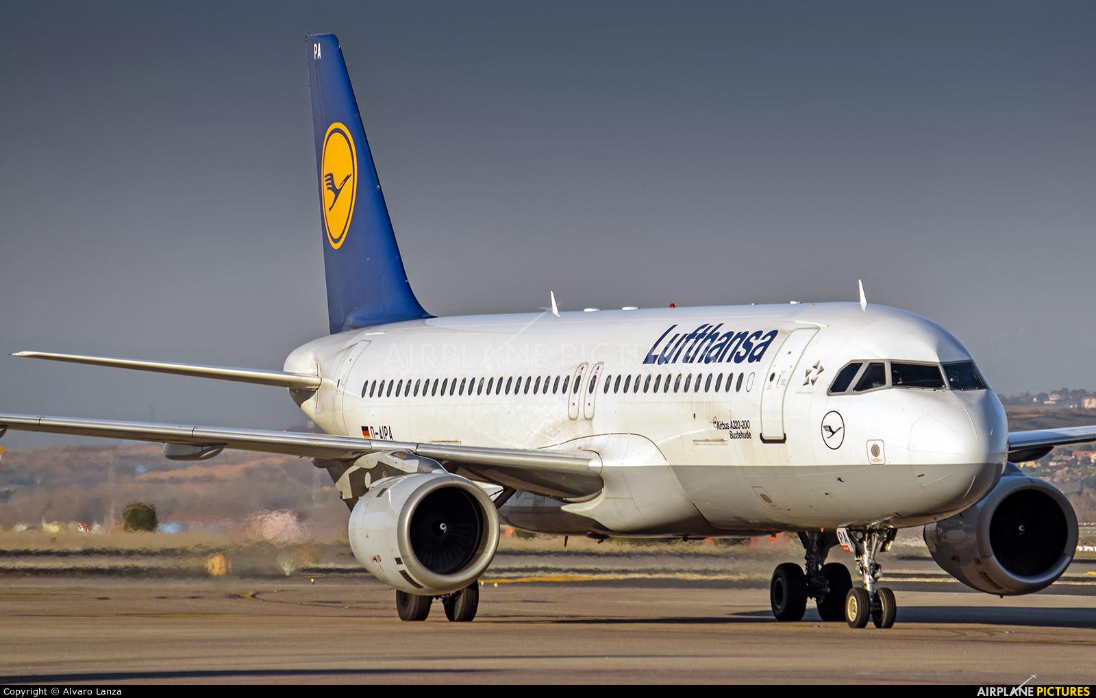 Lufthansa D-AIPA aircraft at Madrid - Barajas