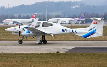 HB-LUK - Private Diamond DA 42 Twin Star