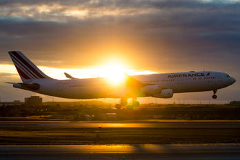F-GLZS - Air France Airbus A340-300