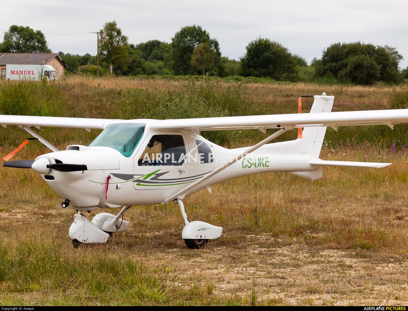 Private CS-UKE aircraft at Lugo - Rozas
