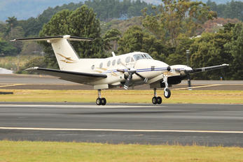 TI-AWM - Private Beechcraft 90 King Air