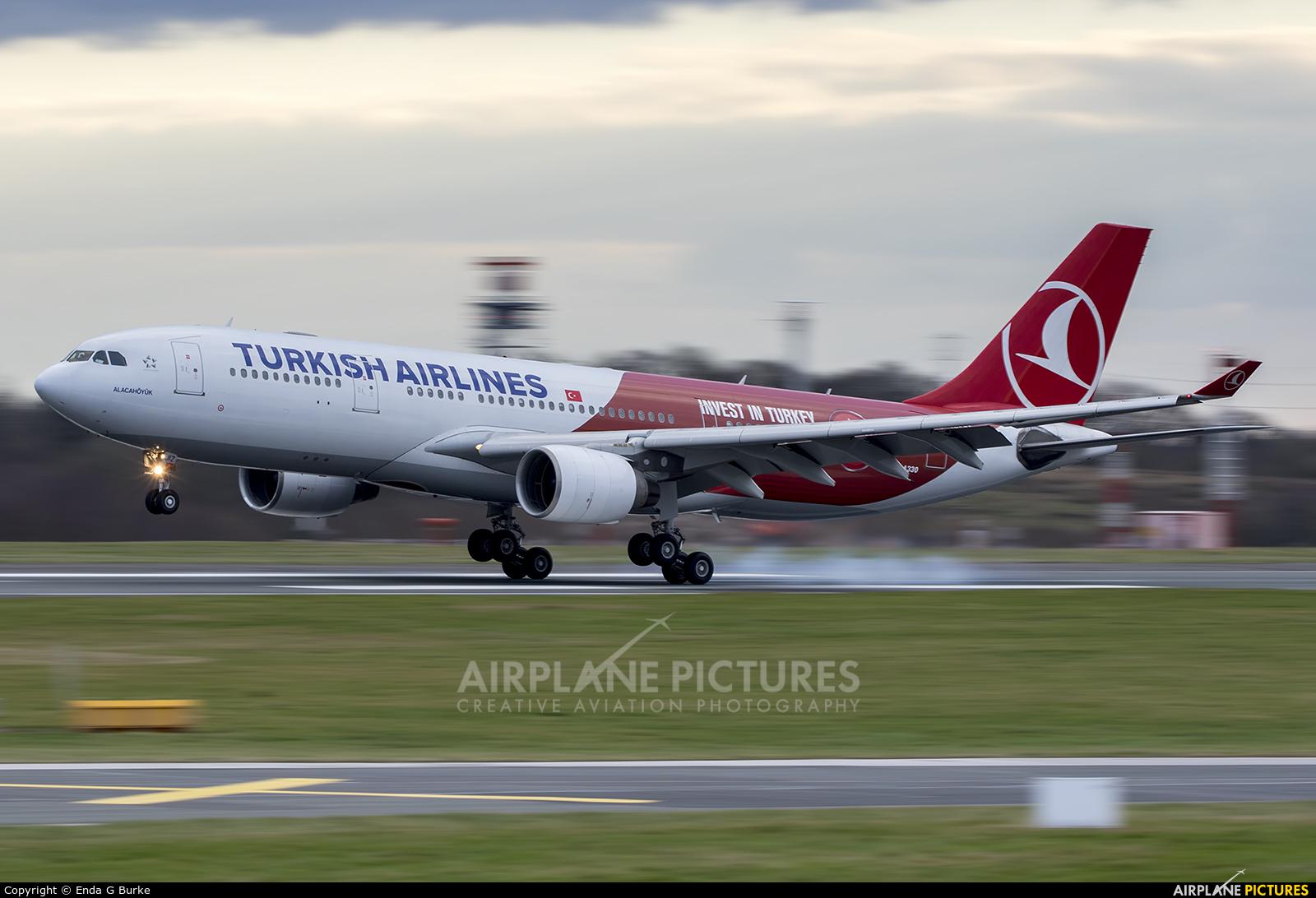 Turkish Airlines TC-JIZ aircraft at Manchester