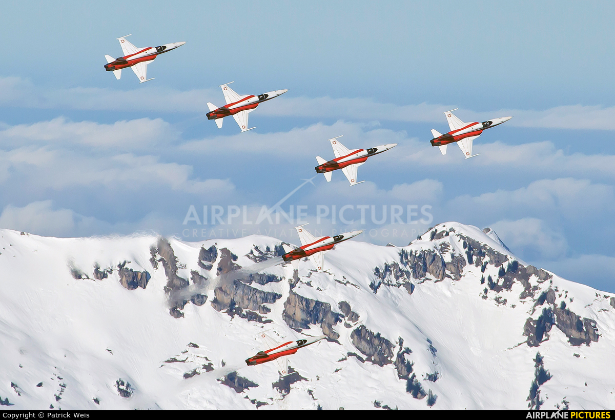 Switzerland - Air Force:  Patrouille de Suisse J-3088 aircraft at Lauberhorn