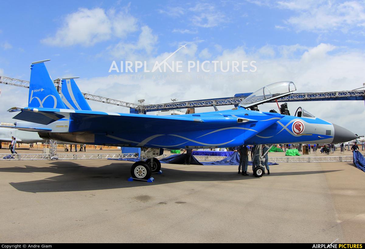 Singapore - Air Force - aircraft at Singapore - Changi
