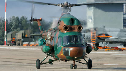 2647 - Poland - Air Force Mil Mi-2