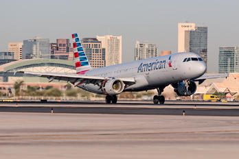 N180US - American Airlines Airbus A320