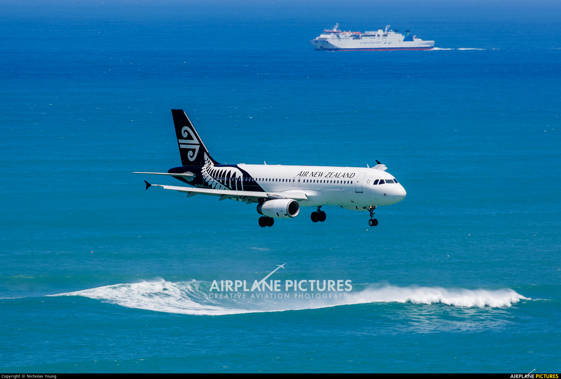 Air New Zealand ZK-OJS aircraft at Wellington Intl