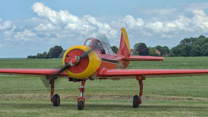 PH-YAX - Private Yakovlev Yak-52