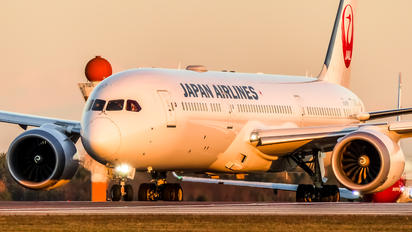 JA862J - JAL - Japan Airlines Boeing 787-9 Dreamliner