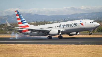 N980AN - American Airlines Boeing 737-800