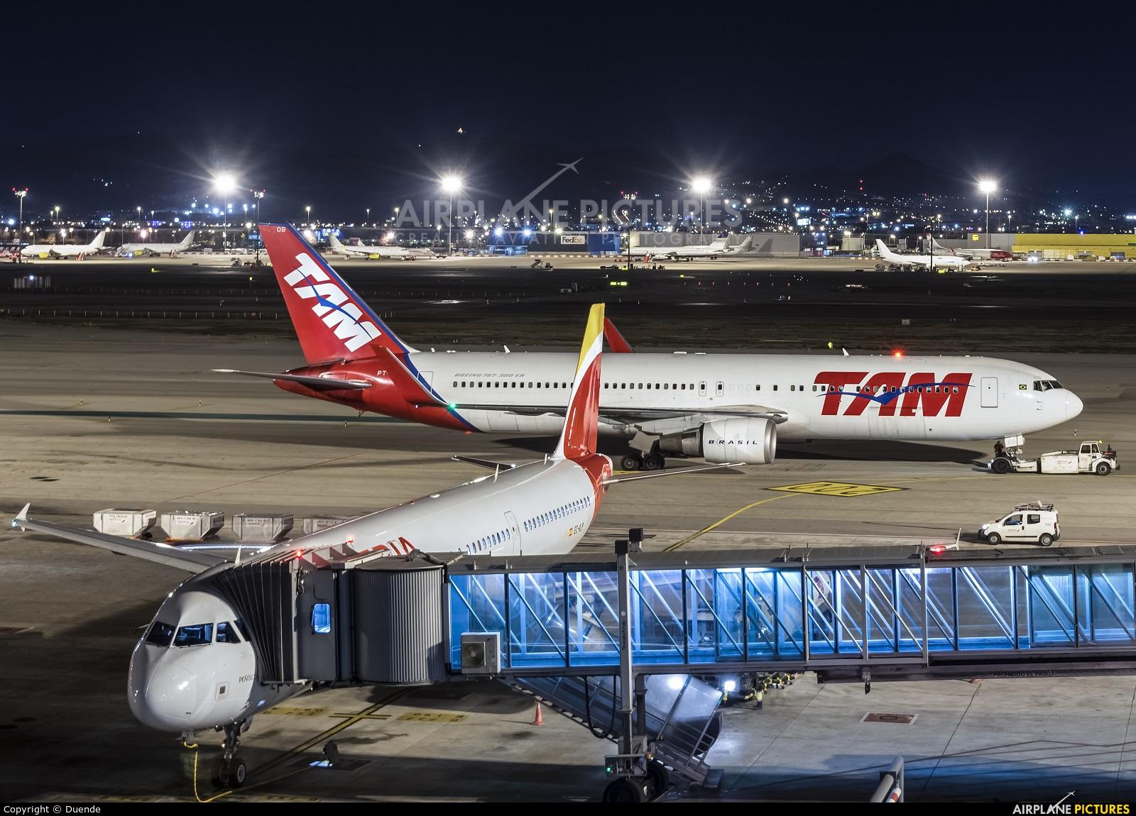TAM PT-MOB aircraft at Barcelona - El Prat